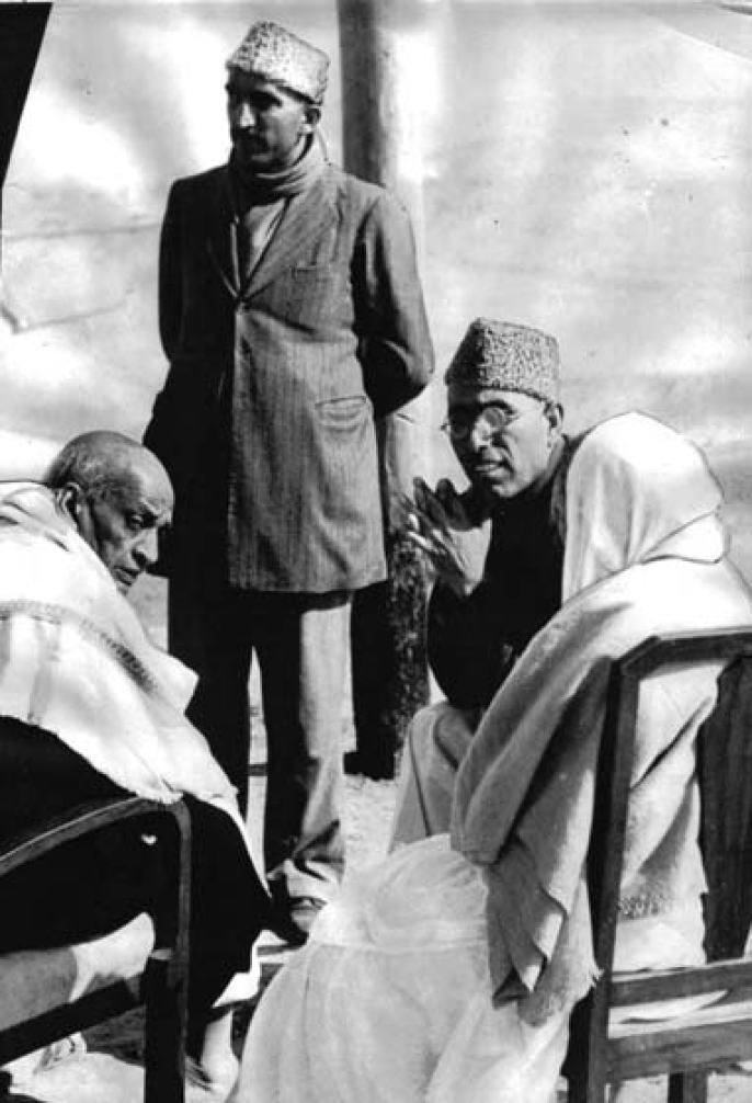 Sheikh Abdullah and his deputy Bakhshi Ghulam Mohammad with Sardar Patel