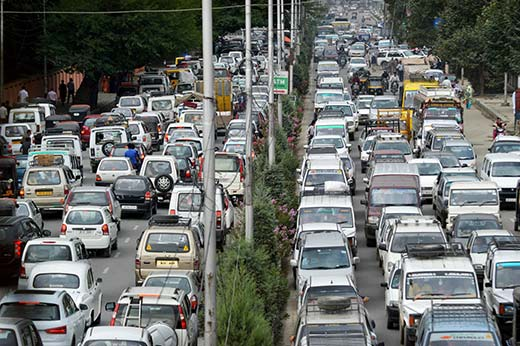 Traffic-Jam-In-Srinagar-Kashmir