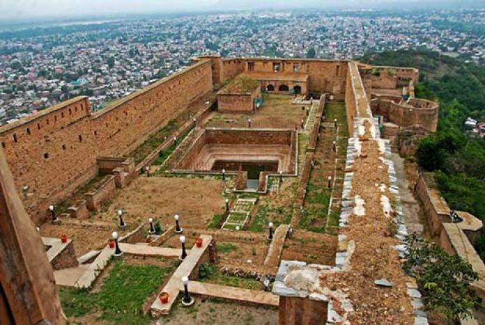 KL lensman Bilal Bahadur clicks a breathtaking view of Koh-i-Maran.