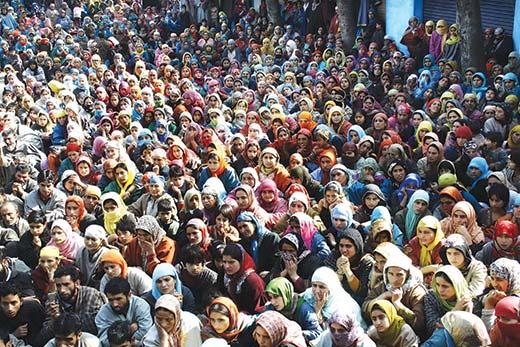 women-kashmiri
