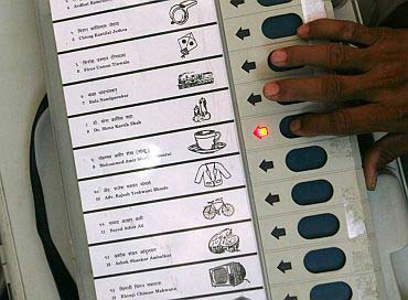 EVM-(Electronic-Voter-Machine)