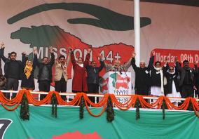 Modi-in-Srinagar-Election-rally