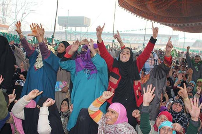Women supporters of PDP's Hazratbal candidate Asiya Naqash. Pic: Bilal Bahadur