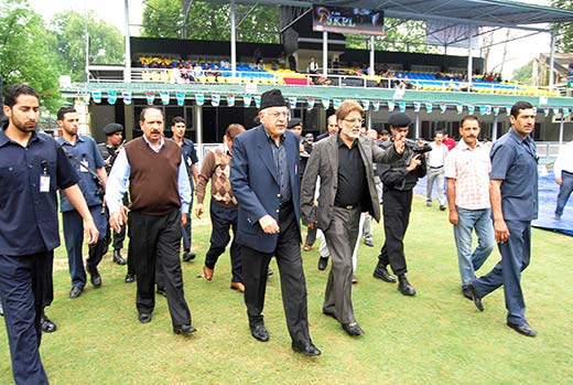 Dr-Farooq-Abdullah-with-other-Cricket-Board-Kashmir-Members