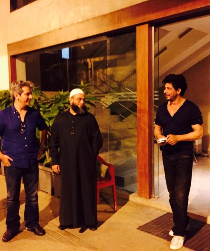 Tony Ashai with Shahrukh Khan.