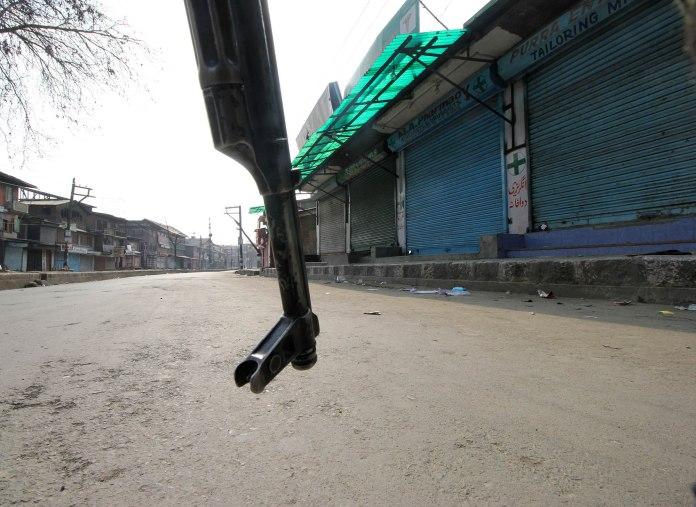 Curfew-like situation in Srinagar. (Photos: Bilal Bahadur/KL)