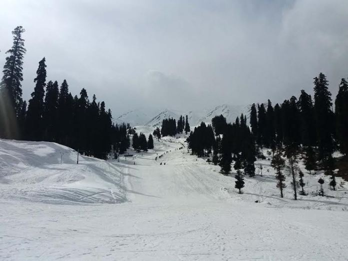 A view of Gulmarg after fresh snowfall. (KL Image: Bilal Bahadur)