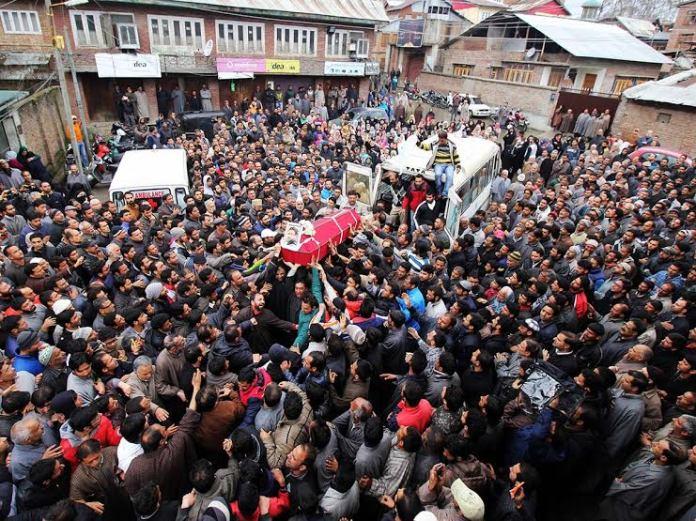 Yasir's body reached his around 1 Pm on Saturday. (KL Image: Bilal Bahadur)