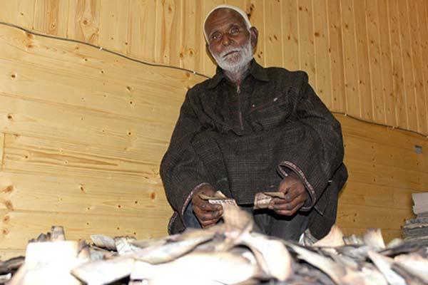Fire-shatters-dream-of-Hajj-aspirant-at-Shaheen-Mohalla-Noor-Bagh-Srinagar-Kashmir