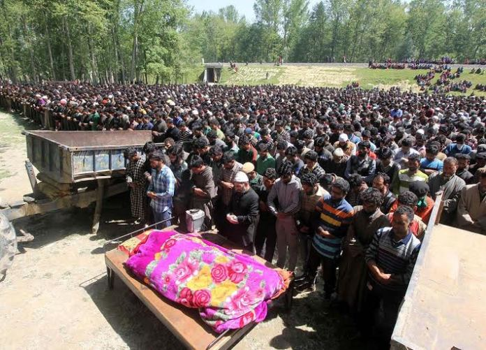 Funeral of militants killed on May 07, 2016 in Pulwama photo by Bilal Bahadur 6