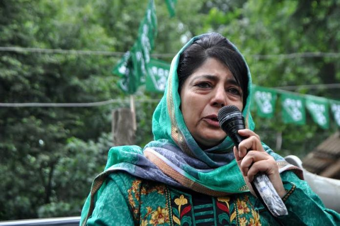 Ahead of June 22, 2016 poll battle, Ms Mehbooba Mufti addressed roadside public gatherings in Islamabad on Saturday. (KL Images: Shah Hilal)