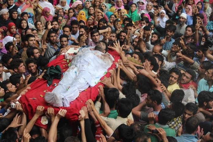 Funeral of slain militant, Sameer Ahmad Wani, who died o Tuesday morning in a gun battle with forces. (KL Image: Mohammad Abu Bakr)