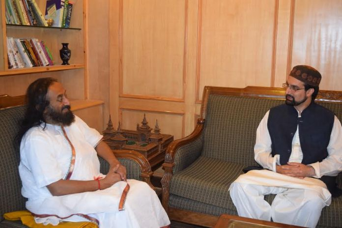 Sri Sri Shankar met Mirwaiz Umar Farooq on Saturday at his Nigeen residence.