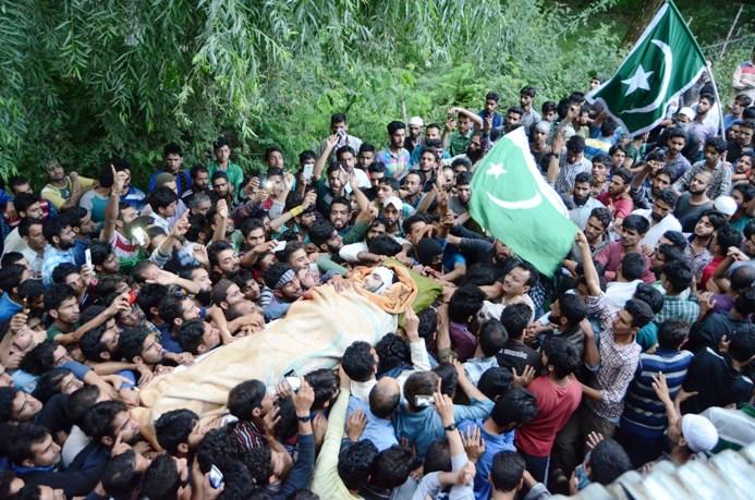 Mourners carry Burhan Wani's body for burial. Pic: Bilal Bahadur