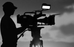 Guided by Flashlight - Umar Mukhtar - Pulse - Tassaduq Hussain Baba - Dargah, Srinagar - Cinematographer - Kashmir Life - Issue 04 - vol 11 -