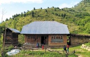 Shabir Kohli's home at Hardu kichr, Ashmuqam. KL Image: Aaqib Hyder