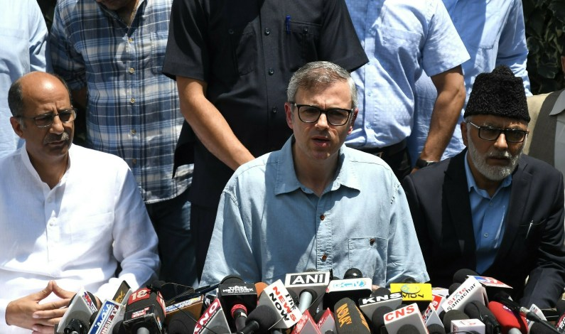 Omar Meets Guv, Says 'No One Knows What's Happening'