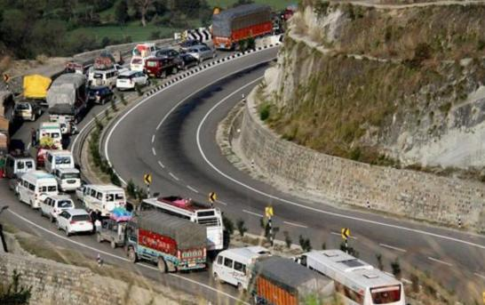 Kashmir Highway Remains Closed