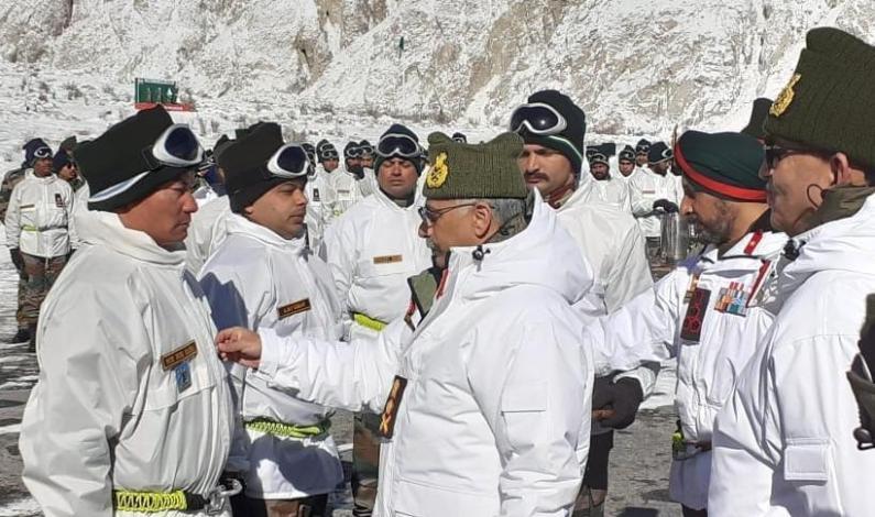 Army Chief Visits Siachen Glacier