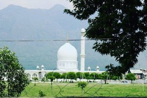 Prayers Suspended In Waqf-Affiliated Shrines, Mosques In Kashmir