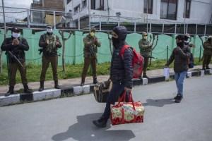 14 Kashmiris Head Home After Quarantine In Amritsar