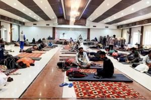 1200 J&K Workers In Punjab Go On Hunger Strike