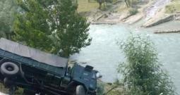 Army Vehicle Falls Into Nallah Sindh In Ganderbal