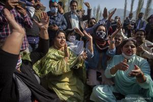 BJP Workers Take Out 'Tiranga Rally' in Srinagar