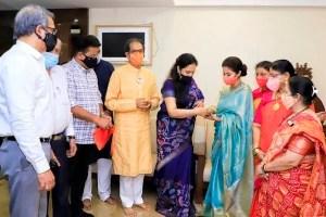 Urmila Matondkar Joins Shiv Sena, Attacks Kangana