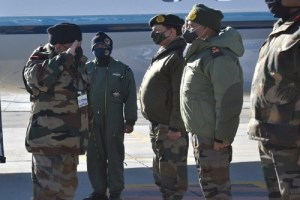 CDS Rawat in Ladakh, Reviews Military Preparedness