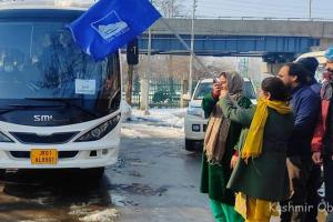 Introductory Ski Course For All-Girls Batch Begins At Gulmarg