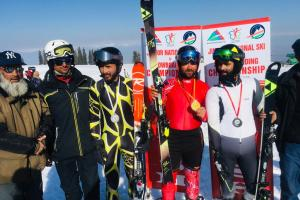 WGAJK Holds Senior Level Skiing And Snowboarding Championship In Gulmarg