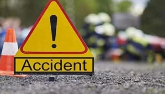 A dozen injured as minibus turns turtle in Ganderbal