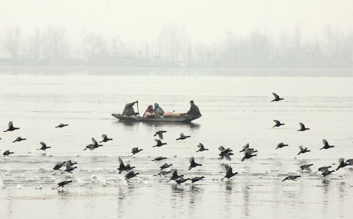 DDC reviews winter preparedness, winter stocking, supply position of essentials in Bandipora
