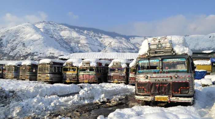 11 killed in snow avalanches in Valley