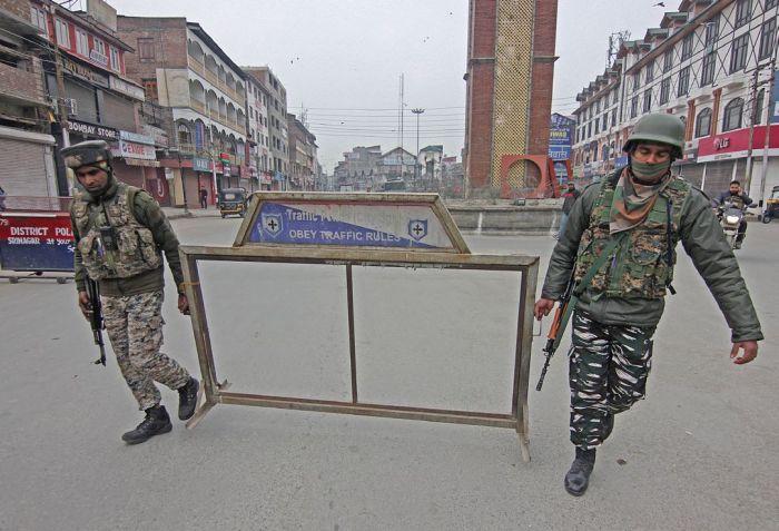 Kashmir shuts on Bhat's anniversary