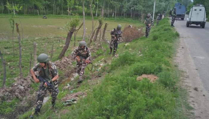 3 CRPF men slain in militant attack, boy killed in 'crossfire'