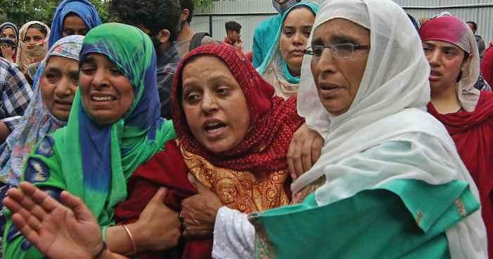 CRPF shoots dead civilian in Budgam, family cries murder