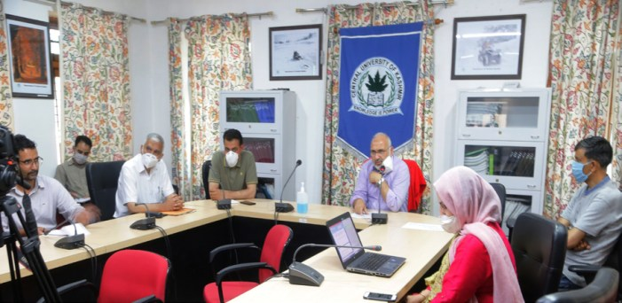 CUK's SBS, Politics and Governance departments hold web lectures
