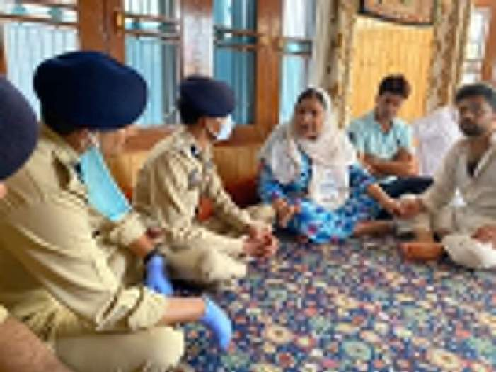 Sopore shootout: IGP Kumar visits slain civilian's family, assures 'impartial investigation'