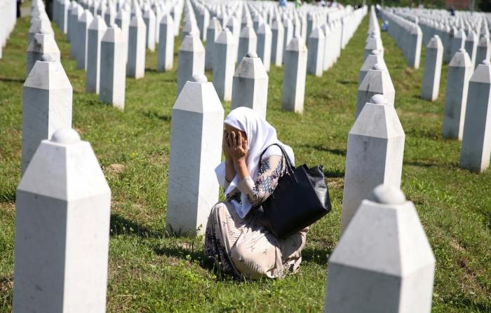Bosnians mark 25 years of Srebrenica genocide