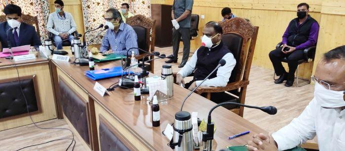 LG meets delegations at Bandipora, e-inaugurates projects