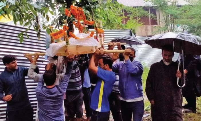 Death of 'village's daughter', 100 years old and a Pandit, mourned by local Muslims