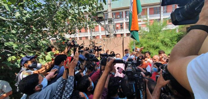 Tri-colour hoisted at BJP's  Sgr headquarters to mark a year of Article 370 abrogation