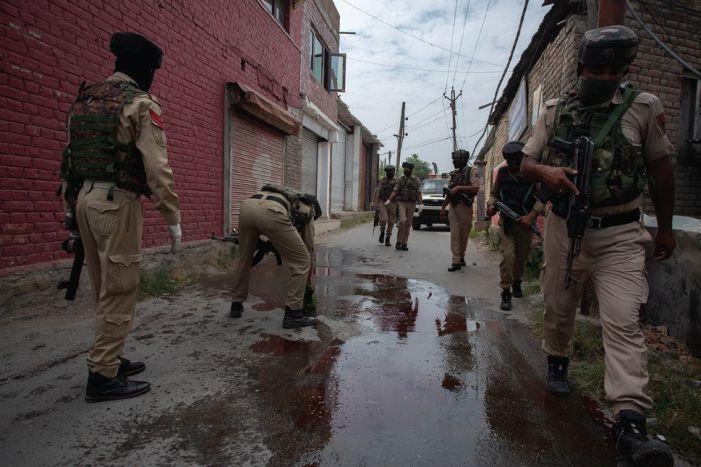 Militants strike in Srinagar, kill 2 policemen