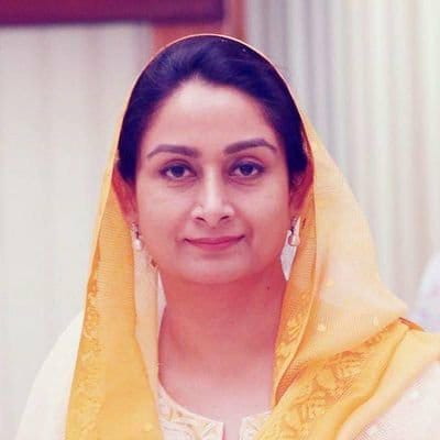 SAD's Harsimrat Kaur resigns as union minister over govt's 'anti-farmer ordinances and legislation'