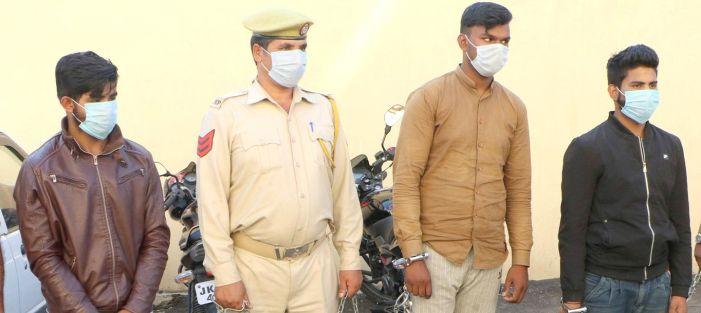 Delhi gang involved in Rs 26 lakh mobile thefts in Srinagar nabbed