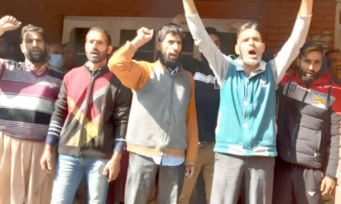 PDD daily wagers lock office, protest undue delay in forwarding employee list
