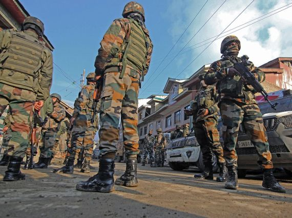 2 army soldiers killed in Srinagar shootout