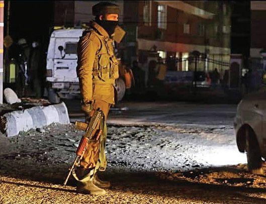Gunfight underway on Srinagar outskirts